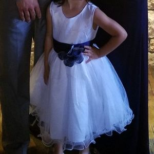 Girls flower girl/party dress